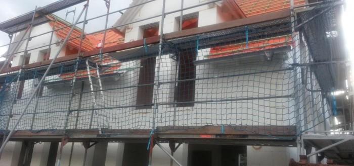 Haus mit Regenrinnen